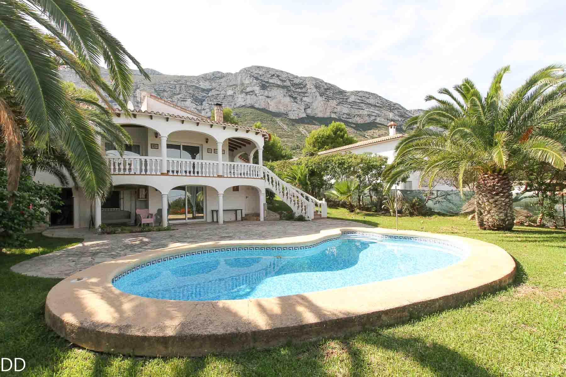 villa en denia · the-montgo 490000€